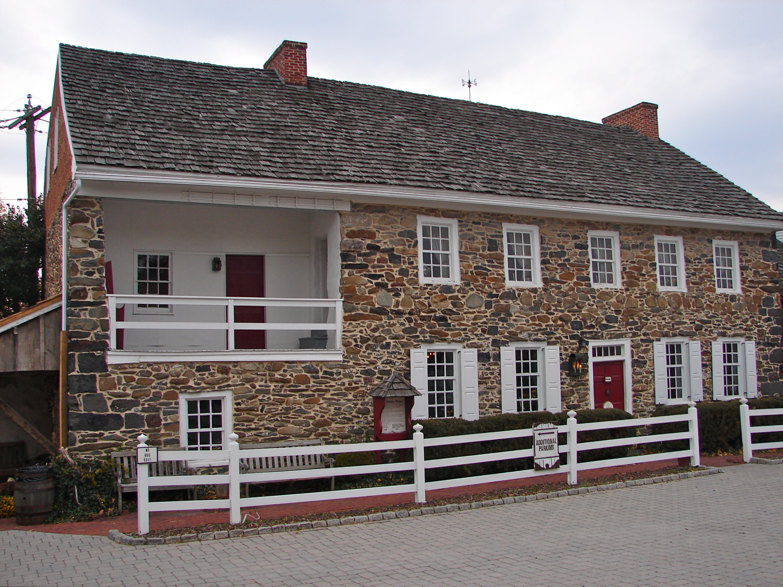 the farnsworth house   gettysburg is fun!